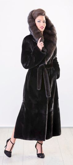 Blackglama Mink & Silvery Barguzin Sable Fur Hooded Coat  #furfashion #mink #blackglama