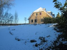 Ook in de winter blijft het een prachtig plaatje. Sleeën in eigen tuin.