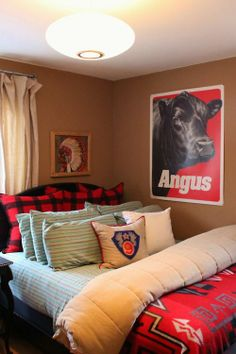 Guest Room with Crewel Work Indian Chief and Angus Poster Over the Bed Western Rooms, Rustic Western Decor, Guest Room Decor, Bedroom Decor, Bedroom Ideas, Guest Rooms, Barn Bedrooms, Spanish Home Decor, Indian Room