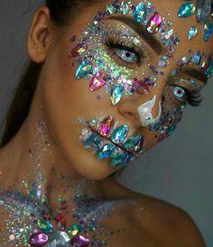 Halloween Makeup: Inspirations - Halloheenn - Make-up Mime Makeup, Costume Makeup, Makeup Art, Art Costume, Makeup Ideas, Halloween Makeup Looks, Halloween Kostüm, Halloween Costumes, Vintage Halloween