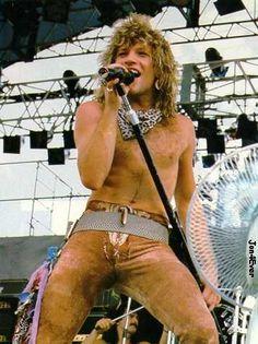 Slippery here in Jersey - Bon Jovi 80s, Jon Bon Jovi, Most Beautiful Man, Beautiful People, Bon Jovi Always, Shaggy Long Hair, Jersey Boys, Dream Guy, Celebs