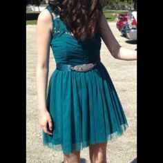 Homecoming dress Size 7, smoke free home, good condition Dresses Prom