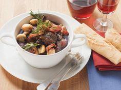 Huhn in Weinsoße auf französische Art ist ein Rezept mit frischen Zutaten aus der Kategorie Hähnchen. Probieren Sie dieses und weitere Rezepte von EAT SMARTER!