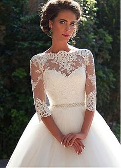 Buy discount Elegant Tulle Bateau Neckline Ball Gown Wedding Dresses With Lace Appliques at Dressilyme.com