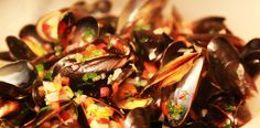 Scoici marinara. Scoici negre cu sos traditional frantuzesc. Calamari, Seafood, Beef, Sea Food, Meat, Octopus, Steak, Seafood Dishes