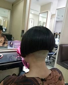 Shaved Bob, Shaved Nape, Shaved Sides, Nape Undercut Designs, Short Hair Cuts, Short Hair Styles, One Length Bobs, Shaved Hair Women, Angled Bobs