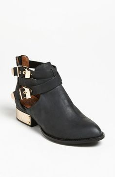 Super cute: Buckle Booties! #fallmusthave http://www.revolvechic.com/#!/c21as