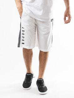Scopri Pantaloni corti tuta Nike Jordan M J Bsk Short Game Nike Jordan. Approfitta delle migliori offerte Streetwear e Sneakers e Acquista Online su Moveshop.it!