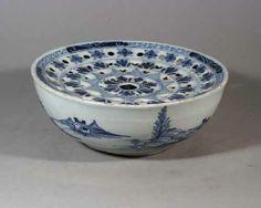 English-Delftware-Blue-White-colander-bowl-London-c-1780-Earle-D-Vandekar-NY4607.JPG (500×400)
