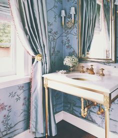 Chinoiserie wallpaper bathroom in a Virginia home designed by Suzanne Kasler