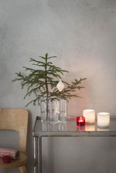 Alvar Aalto Vase - - Clear at MAKE Designed Objects - Trend Rockiger Stil 2019 Christmas Fashion, Christmas Home, Xmas, Scandinavian Christmas, Scandinavian Design, Danish Christmas, Eiffel Tower Vases, Christmas Tree Branches, Alvar Aalto