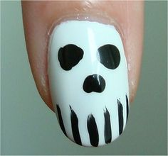 Unhas de caveirinha para o Halloween http://vilamulher.terra.com.br/unhas-de-halloween-para-amar-2-1-13-1106.html #halloween