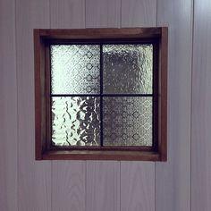 の室内窓/レトロ/キッチンについてのインテリア実例を紹介。「キッチンの室内窓」(この写真は 2013-12-21 22:24:12 に共有されました)