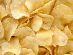 Les chips croquantes 10 minutes sans huile sont des chips à base de tranches fines de pommes de terre cuites au four micro-ondes. Sans matièreLire la suite Healthy Breakfast Recipes, Snack Recipes, Snacks, Chips Au Micro Onde, Chicken Lazone, Homemade Muesli, Mixed Nuts, Potato Chips, No Carb Diets