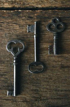 I have a beautiful key like this that works my basement door <3