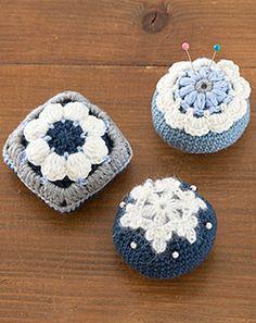 「手づくりタウン ショッピングストア」は手芸専門の出版社日本ヴォーグ社が運営するハンドメイド用品のオンラインショップです。 Crochet Needles, Knit Crochet, Crochet Pincushion, Pin Cushions, Crochet Earrings, Needle Holders, Sewing, Knitting, Handmade