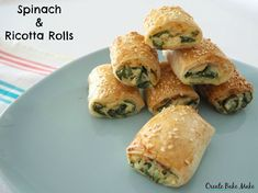 Thermomix Spinach and Ricotta Rolls are for you! While you can never go wrong with a classic sausage roll recipe, these Spinach and Ricotta Rolls taste amazing, the kids will love them and are also a great vegetarian alternative for your guests. Spinach Ricotta, Spinach And Cheese, Spinach Rolls, Homemade Sausage Rolls, Thermomix Sausage Rolls, Chicken Sausage Rolls, Vegetarian Recipes, Cooking Recipes, Vegetarian Xmas
