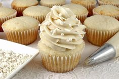 The Best Chocolate Cream Cheese Frosting is creamy, tangy, chocolate-y and super duper yummy. Homemade Frosting never tasted so good or was easier to make. Best Chocolate Buttercream Frosting, Chocolate Cream Cheese Frosting, Homemade Frosting, Frosting Recipes, Dessert Recipes, Chocolate Icing, Cupcake Recipes, Dessert Ideas, Cookie Recipes