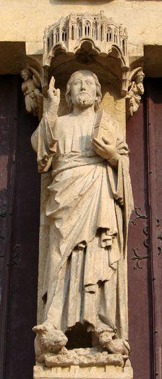 Catedral de Amiens. Beau Dieu (h. 1230). Parteluz de la portada occidental.