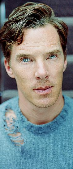 #Benedict #Cumberbatch #Benedictcumberbatch<--And his eyes are blue with that sweater he has on