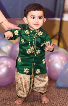 47 Best Ideas for baby boy fashion birthday Kids Party Wear Dresses, Kids Dress Wear, Baby Girl Party Dresses, Dresses Kids Girl, Dress Party, Boys Party Wear, Fancy Dress, Indian Dresses For Kids, Kids Indian Wear