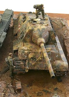 Je crois que c'est un char de 117 tonnes Maus ! Model Maker, Tiger Tank, Model Tanks, Model Hobbies, Armored Fighting Vehicle, Military Modelling, Military Diorama, World Of Tanks, Ww2 Tanks