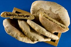 Whole Wheat Pita Bread, Healthy Meals, Healthy Recipes, Baking Stone, Country Style, Breads, Favorite Recipes, Yummy Food, Pockets