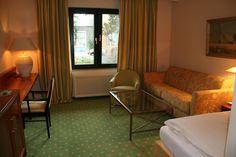 Alle Hotelgäste können kostenfrei das vorhandene WLAN nutzen. Unsere Zimmerpreise richten sich nach der Saison - rufen Sie uns einfach an! Restaurant, Modern, Curtains, Home Decor, Wi Fi, Simple, House, Trendy Tree, Blinds