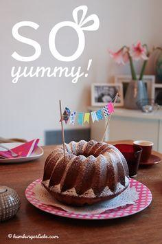 Hier geht's vorallem um Kuchen (und ein Rezept), auch wenn's auf den ersten Blick nicht so aussieht!