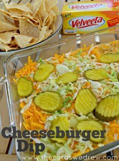 VELVEETA® Cheeseburger Dip from The Cards We Drew I'm one of those people that just snack and snack if anything like a dip or finger food is set in front of me, so in our household, dips tend to go quickly, but they Sloppy Joe, Yummy Appetizers, Appetizer Recipes, Party Appetizers, Appetizer Dips, Tailgate Food, Tailgating, Snacks Für Party, Parties Food