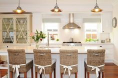 love the built in hutch. kitchen.