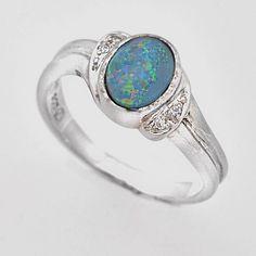 Inel din argint cu opal prețios natural, dubletă, inel foarte elegant  cu o piatră naturală semiprețioasă unică însoțită de zirconiu (piatră de sinteză). Cod produs: VI4984 Greutate: 2.73 gr. Lungime: 1.00 cm Lățime: 1.00 cm Circumferință inel: 54.00 mm Piatră: OPAL Gemstone Rings, Gemstones, Jewelry, Jewlery, Gems, Jewerly, Schmuck, Jewels, Jewelery