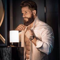 ᴿᴱᴷᴸᴬᴹᴱ Getting ready for tonight Hairy Men, Bearded Men, Beard Model, Sexy Beard, Beard Tattoo, Beard Care, Beard Styles, Hair Styles, Haircuts For Men
