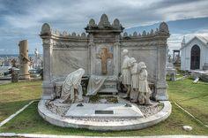 Cementerio Santa María Magdalena de Pazzis, San Juan, Puerto Rico | 18 Hauntingly Beautiful Cemeteries To Visit After You Die