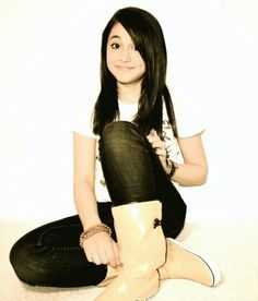 omg is fetus ariana your welcome>>>>>>she is beauty anyway !