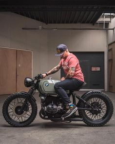I totally appreciate everything that these guys did with this custom made for men fahren lustig mädchen sprüche umbauten Cafe Racer Motorcycle, Moto Bike, Motorcycle Design, Motorcycle Style, Motorcycle Girls, Bmw Scrambler, Cafe Bike, Cafe Racer Bikes, Cool Motorcycles