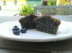 Ein saftiger Mohnkuchen - schmeckt herrlich und ist einfach nachzubacken :) Rezept gibt's auf www.iss-oesterreichisch.at/rezepte/suses/mohnkuchen/ nachzulesen!