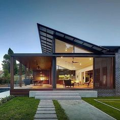 Architecture Discover Kensington House by Virginia Kerridge Architect Kensington House by Virginia Kerridge Architect Residential Architecture, Modern Architecture, Australian Architecture, Architecture Awards, Scandinavian Architecture, Architecture Company, Architecture Interiors, Future House, Modern Roof Design