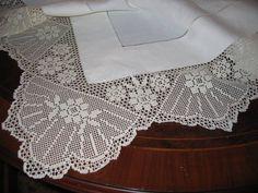 kumaş ve danteli zerafeti (35) Crochet Tablecloth Pattern, Crochet Doily Patterns, Crochet Art, Crochet Doilies, Lace Shorts, White Shorts, Fillet Crochet, Lace Trim, Diy And Crafts