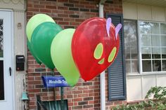 {Number 3} I love that this is unique- they're helium filled and anchored to the ground! Would be awesome outside or inside! The Very Hungry Caterpillar Balloon Caterpillar  decoration idea!  #WorldEricCarle #HungryCaterpillar