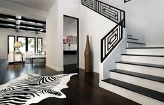 Pillow Stripes dettagli home design The Exchange Hotel Interior Design – Bedroom / white. Black and White Interior Design Black And White Stairs, Black And White Living Room, Black And White Interior, Black And White Design, White Staircase, Modern Staircase, White Walls, White Style, Modern Foyer