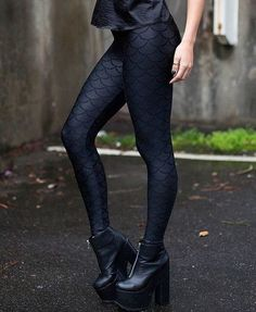 Black Scale Leggings - Everything You Need to Be a Real Life Mermaid - Photos