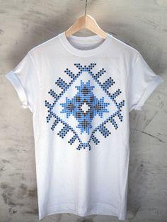 Tricou-Romanesc-Albastru by Ciprian Vrabie