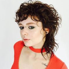 Warm Brunette Shaggy Mullet with Messy Curly Texture and Undone Fringe Warm Brunette Shaggy Mullet w Damp Hair Styles, Medium Hair Styles, Curly Hair Styles, Curly Bangs, Hair Bangs, Mullet Haircut, Mullet Hairstyle, Boho Hairstyles, Hairstyles With Bangs