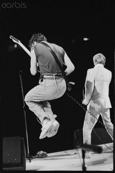 Pete Townsend Jumping on Stage 1982