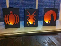 We zijn vanmiddag begonnen met het maken van de lampionnen voor 11 november. De kinderen konden kiezen uit een lantaarn bij meester Harry,... Halloween Window, Halloween Kids, Halloween Themes, Halloween Decorations, School Art Projects, Diy Projects To Try, Fun Arts And Crafts, Diy And Crafts, Diy For Kids