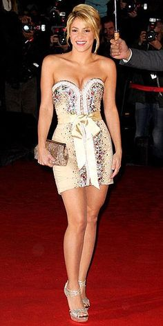 Shakira Fashion and Style - Shakira Dress, Clothes, Hairstyle