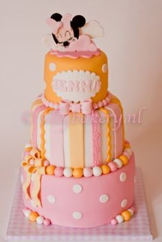 Minnie mouse cake By sillybakery on CakeCentral.com