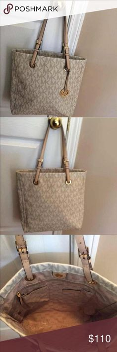 """Michael Kors Jet Set Large Tote Signature Vanilla Great condition! Comes with dust bag!  Same day shipping!   H14.5"""" x L16.5"""" x D4"""" Strap drop is approx 10"""" Michael Kors Bags Totes"""