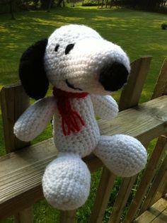 Amigurumi Snoopy  wemakeitbeautiful.wordpress.com